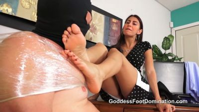 Goddess Foot Domination – Mistress Jinx – Side Job