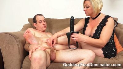 Goddess Foot Domination – Goddess Brianna – Cucky's Movie Night