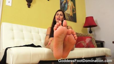 Goddess Foot Domination – Mistress Jinx – SWF Seeks New Footslave