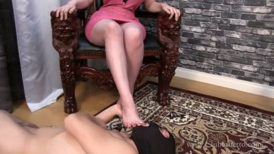 Clubstiletto – See how Much Fun It Is To Whip Him