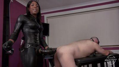 Black mistress kiana strapon all