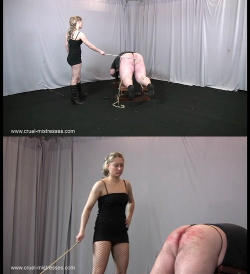 Cruel-Mistresses: Seductive Larissa Strikes