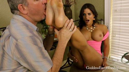 Goddess Foot Worship: Going to Brunch with the Girls