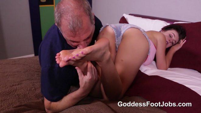 Goddess Foot Jobs: First Time Footjob