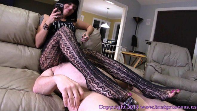 Brat Princess 2: Mariah – Facesits Chastity slave while Vaping (1080 HD)