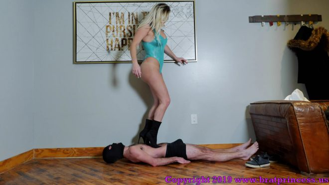 Brat Princess 2: Becky – Tall Girl tramples a Tiny Guy