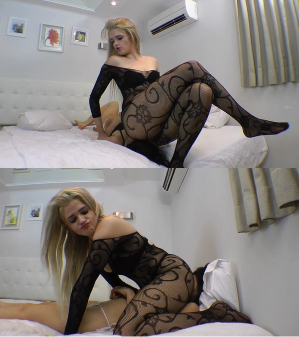Mf Video Brazil: Face Sitting Scratingf Face By Britney Giant And Slave Fabi