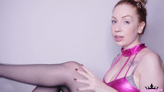 Goddess Isabel in video 'Stockings and Braces'