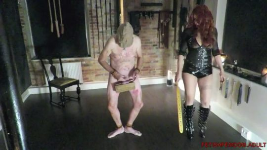 Difficult slavedressage – Submissive