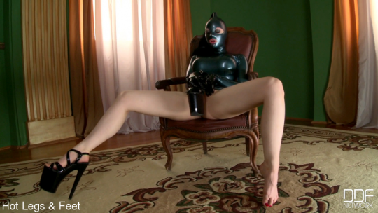 HOT LEGS AND FEET: April 23, 2021 – Latex Lucy/Be Prepared To Worship! – Big Tits